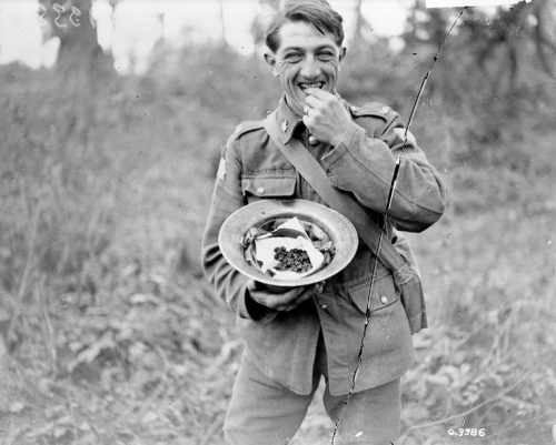 WW1 Archives Canada - Canadian soldier Arras 1918.jpg