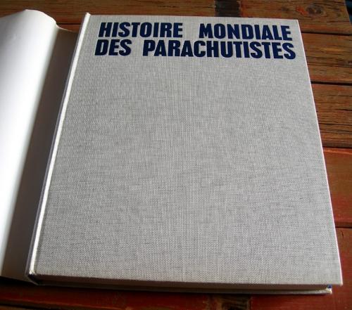Histoire Mondiale du parachutisme - 03.jpg